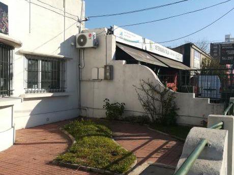 Oportunidad Casa Con Potencial Frente Avenida Italia - Buceo