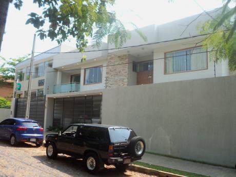 Mancion En Barrio Los Laureles De 4 Dormitorios En Suite
