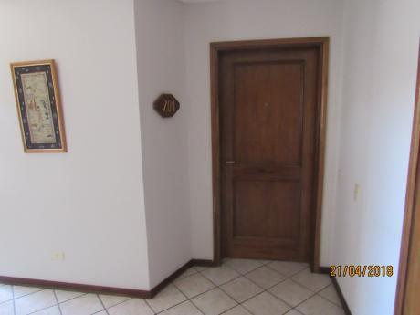 Alquilamos Dpto 3 Dormitorios Zona Carmelitas.