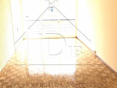 Apartamento Alquiler Pocitos 3 Dormitorios Al Frente