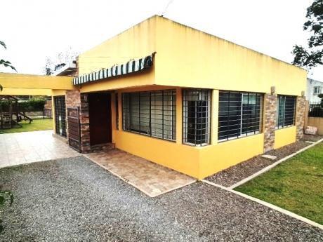 Nueva!! 3 Dormitorios, 2 Baños, Barbacoa, Piscina