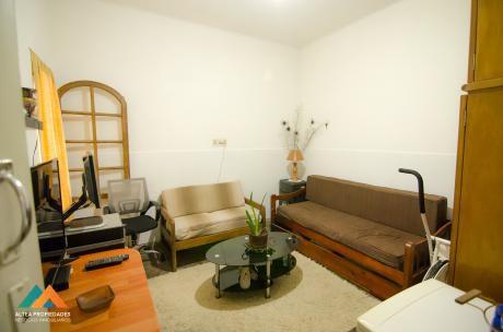 Casa, 2 Dormitorios, Cochera, Azotea Transitable