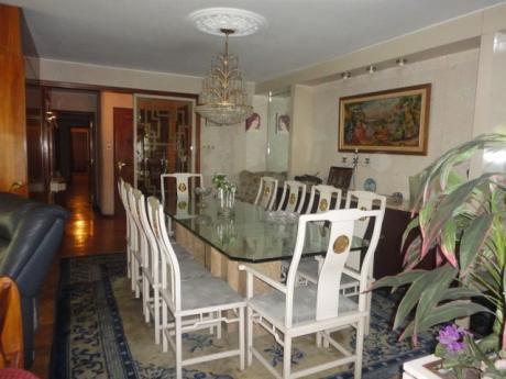 Apartamento En Venta De 4 Dormitorios + Servicio, Losa Y Garaje
