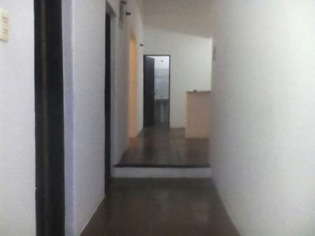 Casa Y 3 Apartamentos En Excelente Zona Del Cerro