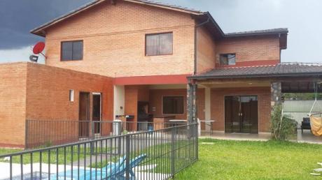 Vendo Hermosa Casa En Esquina ( Centro De Loma Pyta )