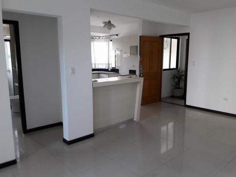 Departamento De 1 Dormitorio De 72m2 En Equipetrol En Venta En 90.000$us