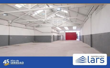 Local Industrial / Galpón En Aguada