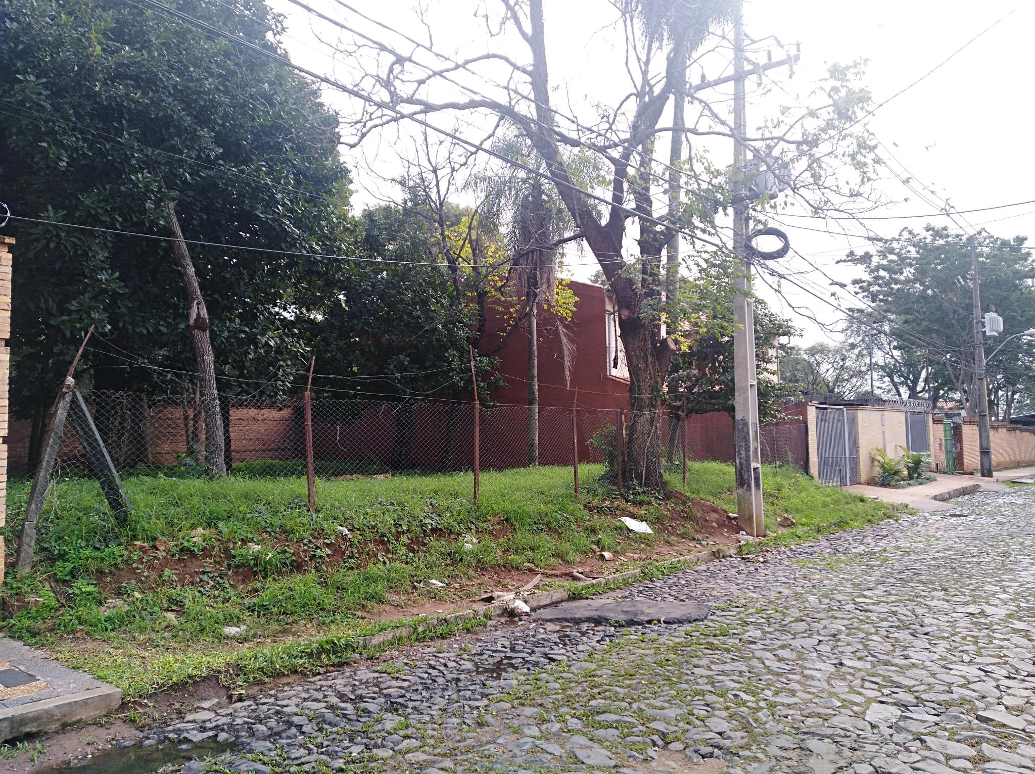 único Terreno En El Barrio Mcal. Estigarribia