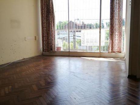 Venta Apartamento Dos Dormitorios Con Estufa Leña Buceo