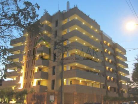 Vendo O Alquilo Lujoso Departamento De Primer Nivel En Edificio Barcelona