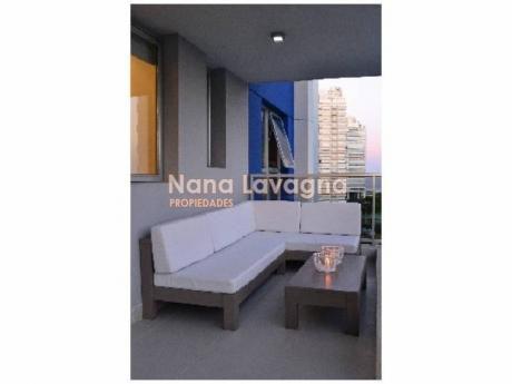 Apartamento En Arenas Del Mar,  En Venta, Brava, Punta Del Este, 2 Dormitorios. - Ref: 203544