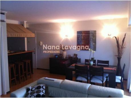 Apartamento En Marevan,  En Venta, Mansa, Punta Del Este, 2 Dormitorios. - Ref: 203957