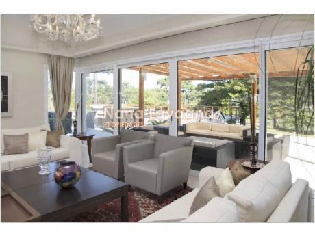Casa En Venta En Golf - Ref: 207585