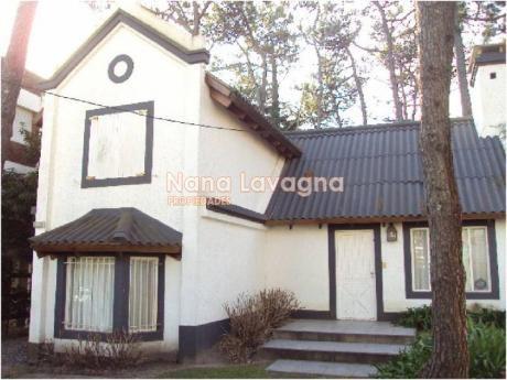 Casa En Alquiler En Brava - Ref: 207789