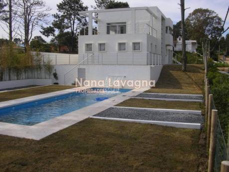 Casa En Alquiler Y Venta En Manantiales - Ref: 208584