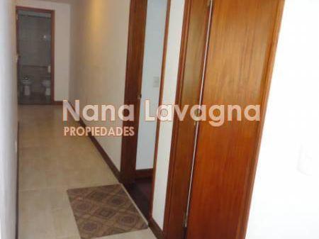 Casa En Venta En Cantegril - Ref: 208739