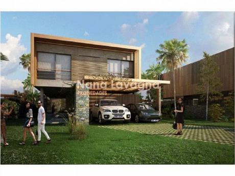 Casa En Venta En Manantiales - Ref: 209619