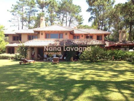 A La Venta Y En Alquilero Casa En Laguna Blanca - Ref: 212515