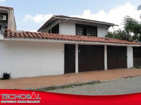 Casa Grande En Urbari