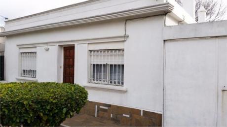 Oportunidad !!! Bonita Casa C/entrada Lateral P/camioncito