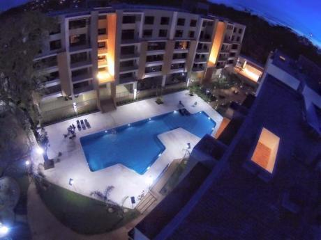 Alquilo Departamento De 2 Dormitorios En Condominio Parque Perón