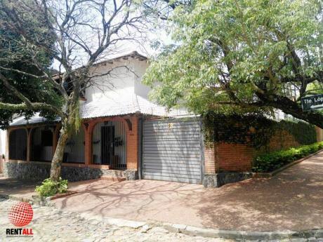 Vendo Casa En Zona Residencial Del Barrio Santa Veronica De Asuncion.