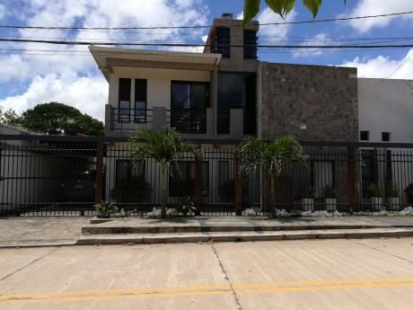 Departamento Semi Amoblado, Zona Norte, El Remanso 1, A 2 1/2 De La Av. Banzer