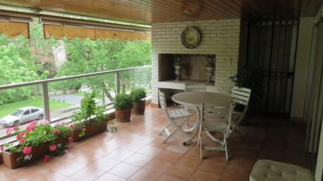 Apartamento A 1 Cuadra Del Lawn Tennis 3 Dormitorios, Terraza Parrillero