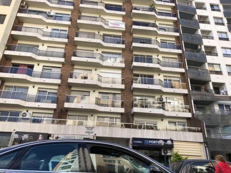Pocitos Venta Apartamento 3 Dorm+serv. Tza. Gge