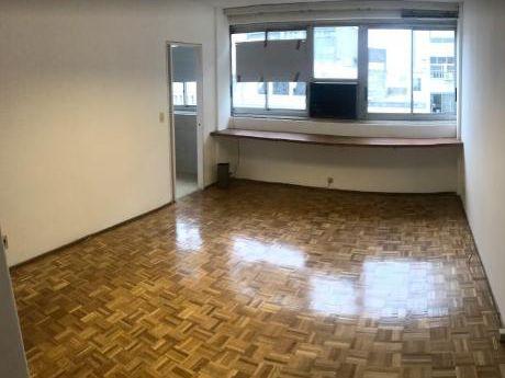 Apartamento De 1 Dormitorio Plaza Independencia. Oportunidad!!