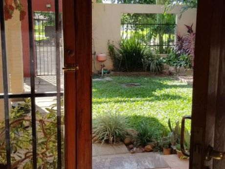 Alquilo Acogedora Casa En Barrio Goethe/sta Teresa