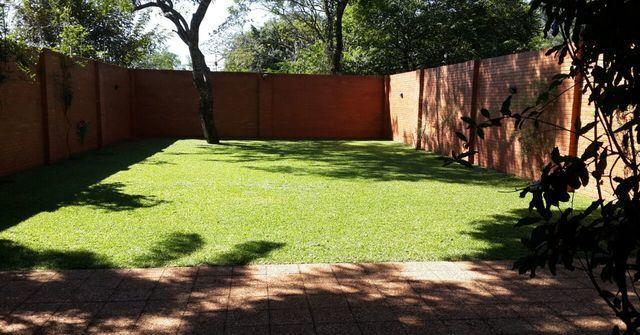 Fino Dúplex, Con Amplio Jardin Zona Luque. Usd 260.000 Cod: V254