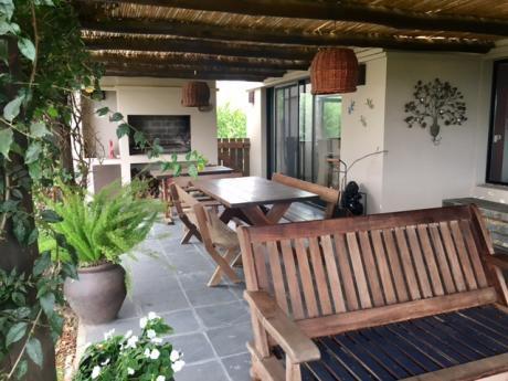 Venta Casa Altos De La Tahona 2 Dormtorios Y Servicio