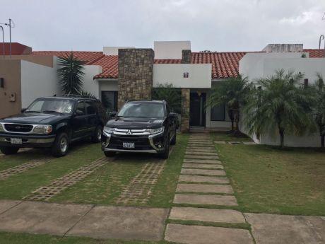 Casa En Condominio Cerrado Norte!