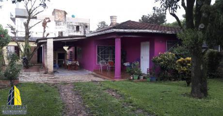 Residencia A Una Cuadra De Avd. Julio C. Riquelme