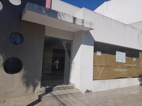 Local Comercial En Calle Andres Manso