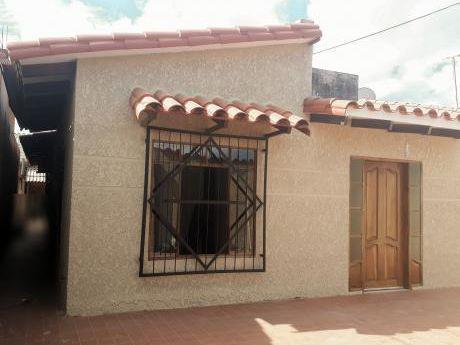 Casa En Venta 8vo. Anillo (zonta Este) Avenida Virgen De Luján