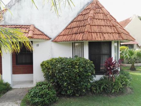 Acogedora Casa En Alquiler En Barrio Las Palmas