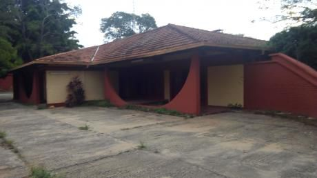 Amplia Residencia Para Local Gastronomico En Villa Morra