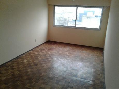 Muy Buen Apartamento Con Garaje