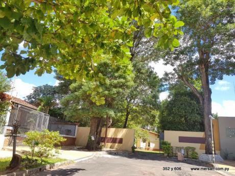Casa Con Salida A Dos Calles Zona Ande / Universidad Columbia (CóD. 606)
