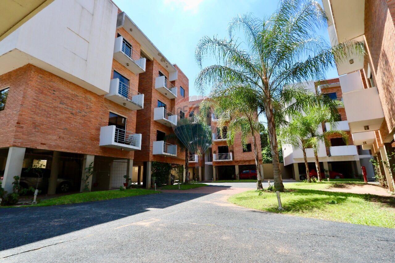 Oferta Vendo Departamento De 1 Dormitorio En Condominio Barrio Las Mercedes.