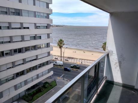 Apartamento En Venta Pocitos 2 Dormitorios - Vista A La Rambla