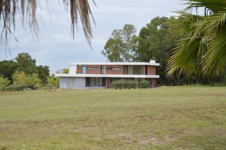 Espectacular Casa 3 Dormitorios Y Servisio Cumbres De Carrasco, Canelones