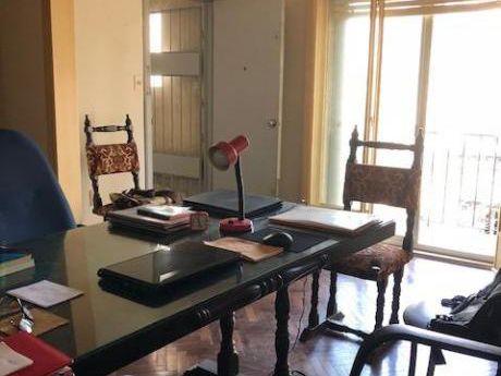 Requena Y Avda Rivera Al Frente , 3 Dormitorios