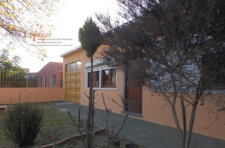 Dos Muy Buenas Casas En Un Padrón, Las Piedras, 2 Y 3 Dorm