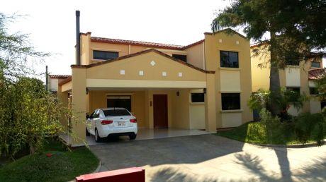 Hermosa Casa En Condominio Boulevard Confederación