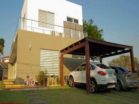 Hermosa Casa En Venta En El Urubo