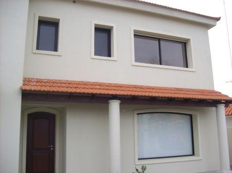 Casa En Manantiales