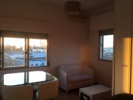 Venta Apartamento Centro 1 Dorm, Piso 5 Con  Vista A La Bahía